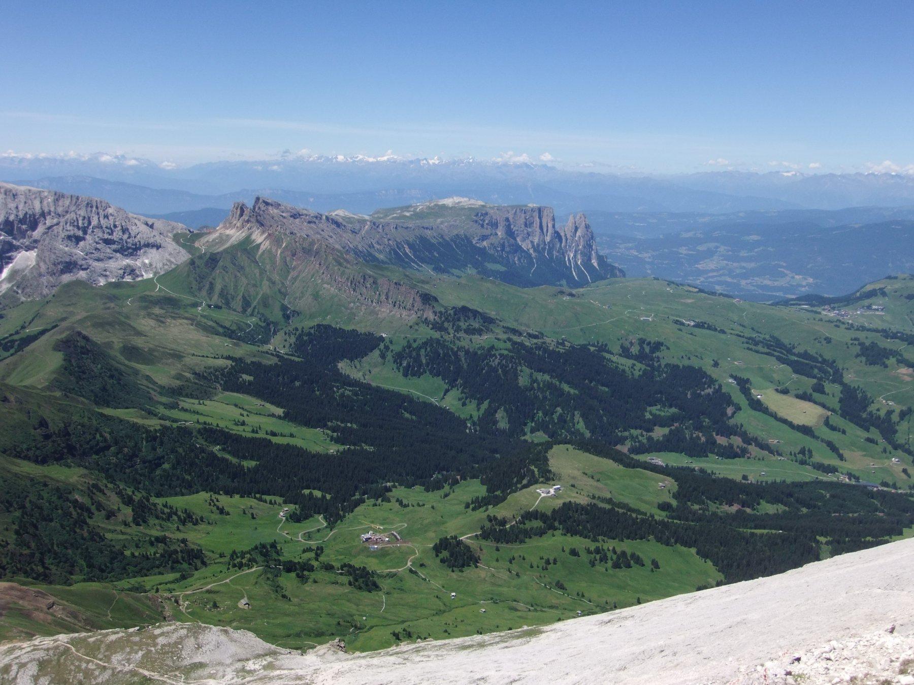 L'Alpe di Siusi dalla cima