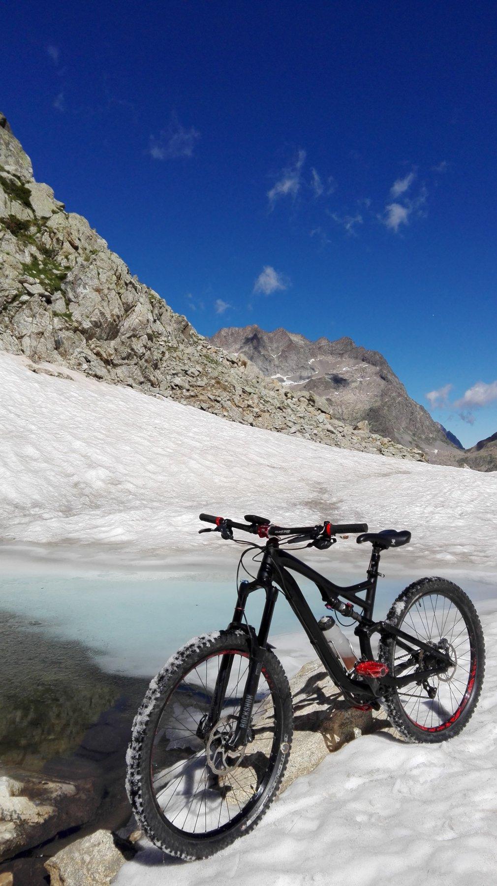 neve al laghetto del Passo di Fenestrelle