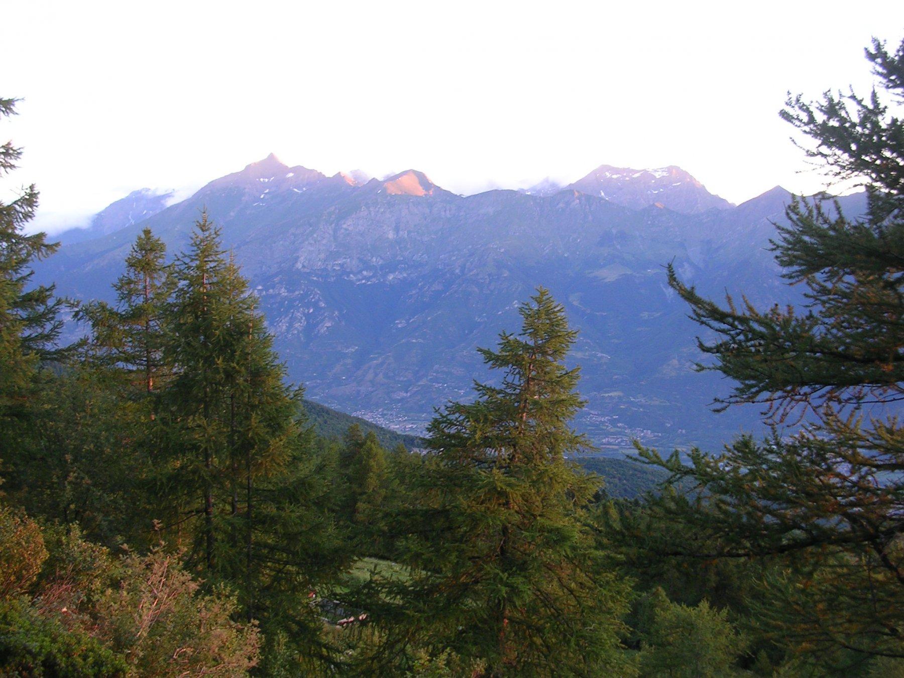 Prime luci dell'alba sulla valle di Susa.