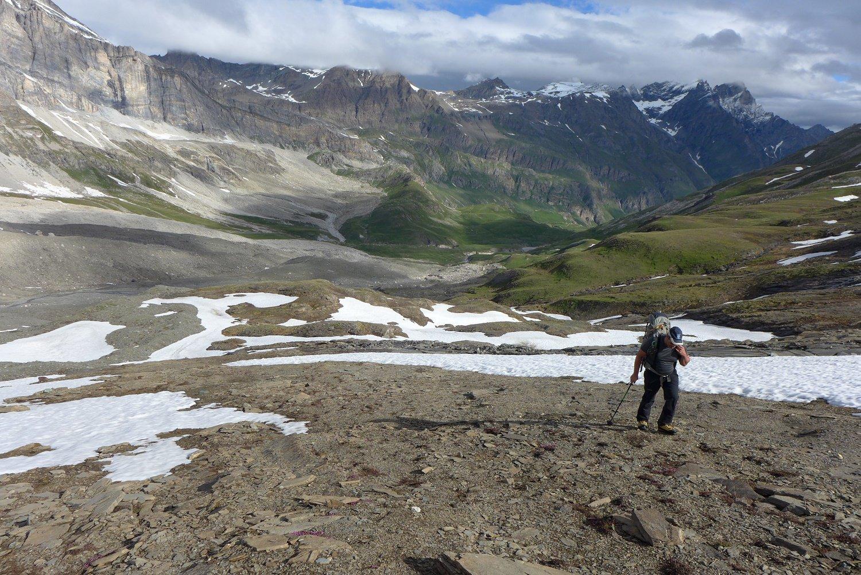Salendo alla base del ghiacciaio