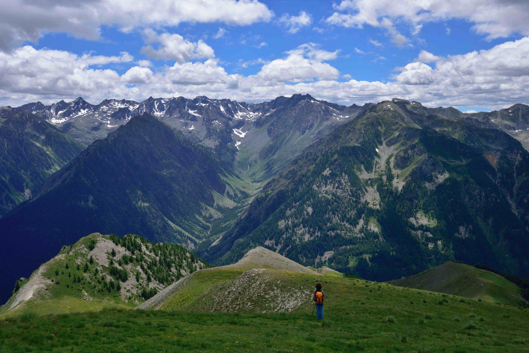 Scendendo verso il Colle della Montagnetta