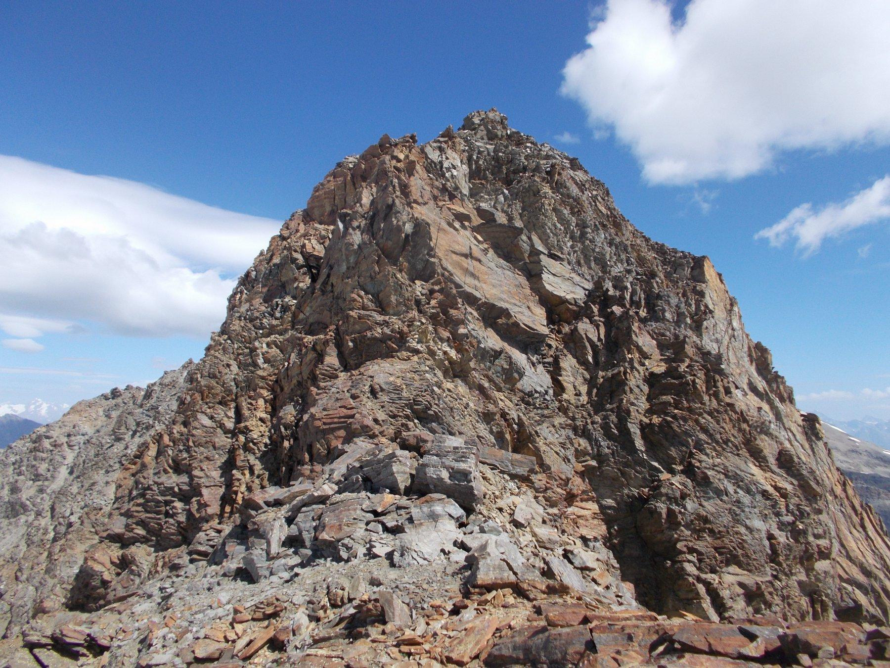 l'impervia cresta sud est della Levionaz..vista dai pressi del Col Gran Serraz..