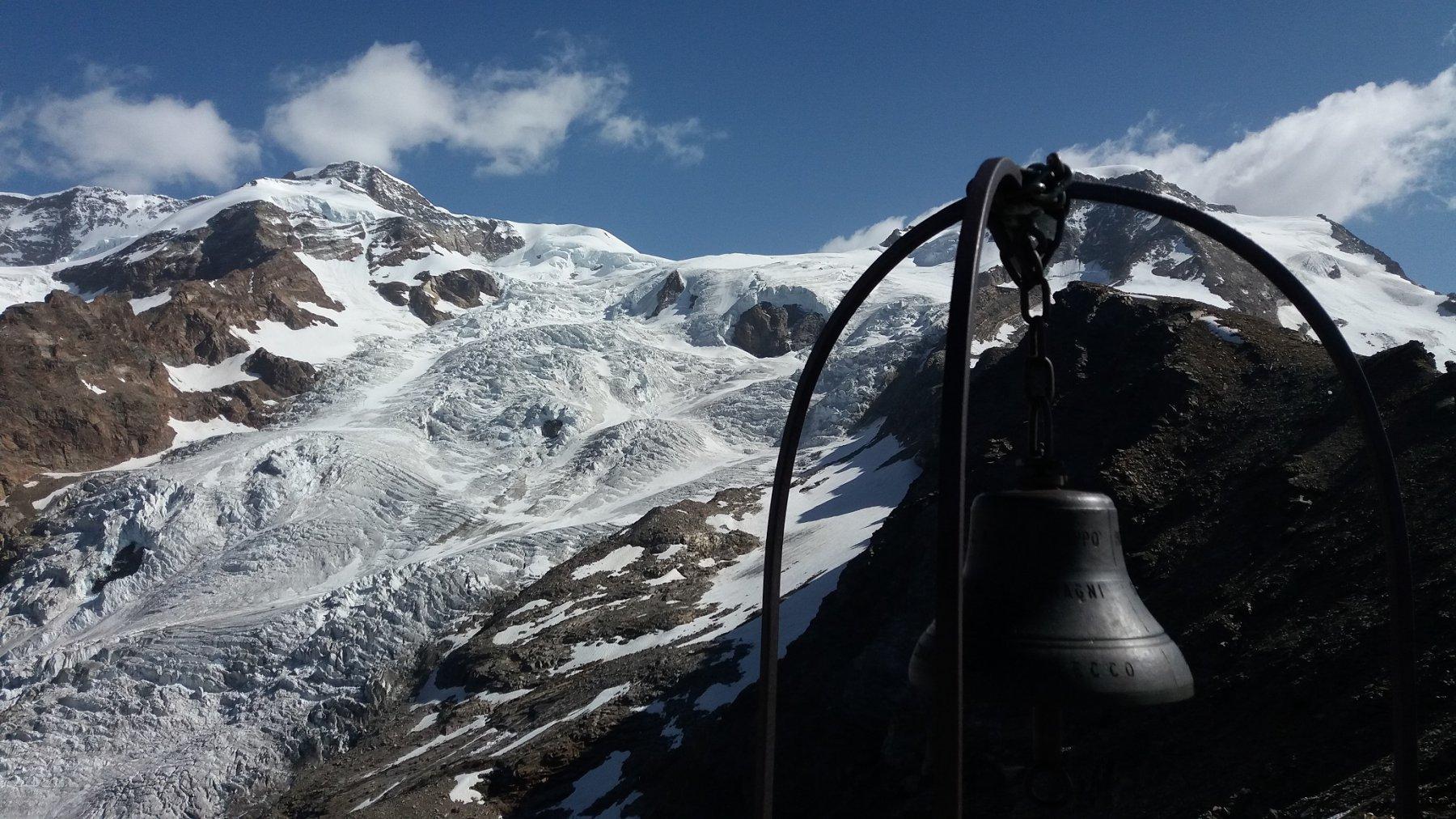 Campana dell'Hochlicht e ghiacciaio del Lyskam