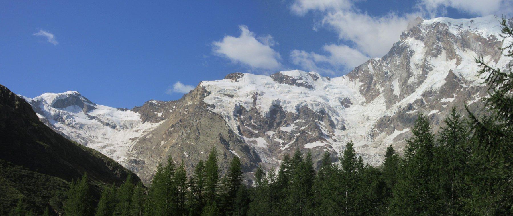 Splendido panorama sulla est del Monte Rosa
