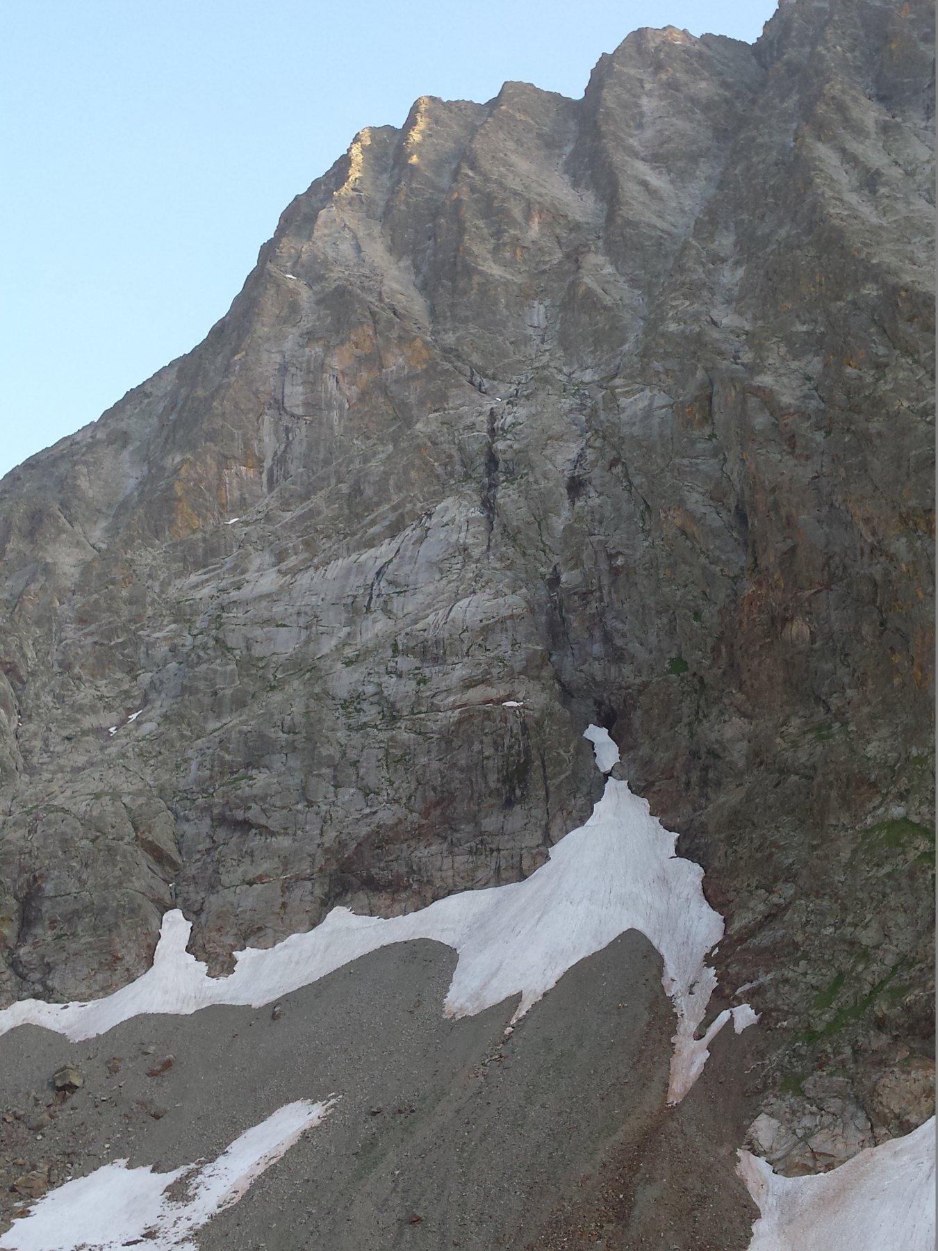 L'imponente parete nord-est del Monte Stella