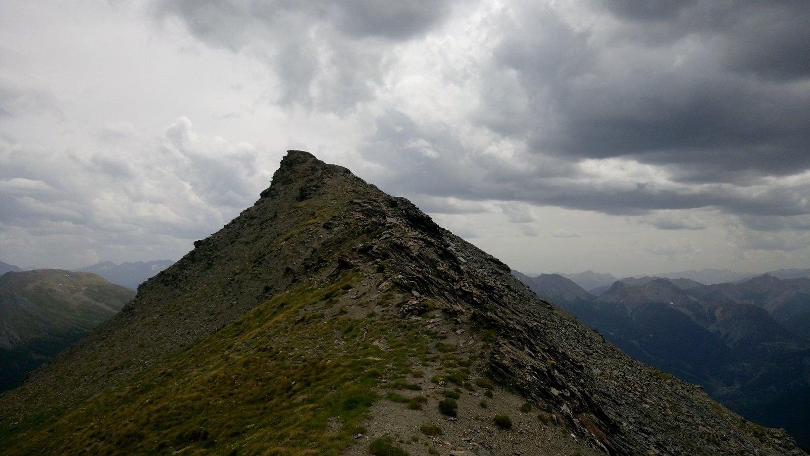 Vista dal Colle alla punta roccia verde