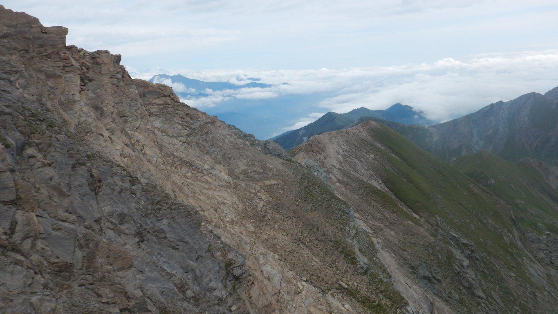 La cresta E-NE vista dalla cresta proveniente dal colle di Malanotte