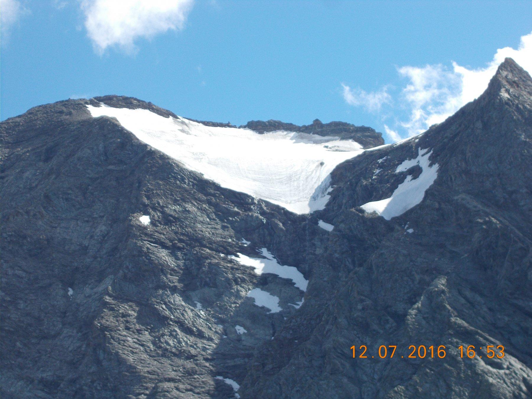 Dal Collarin d'Arnas: primo piano della Croce Rossa 3546m