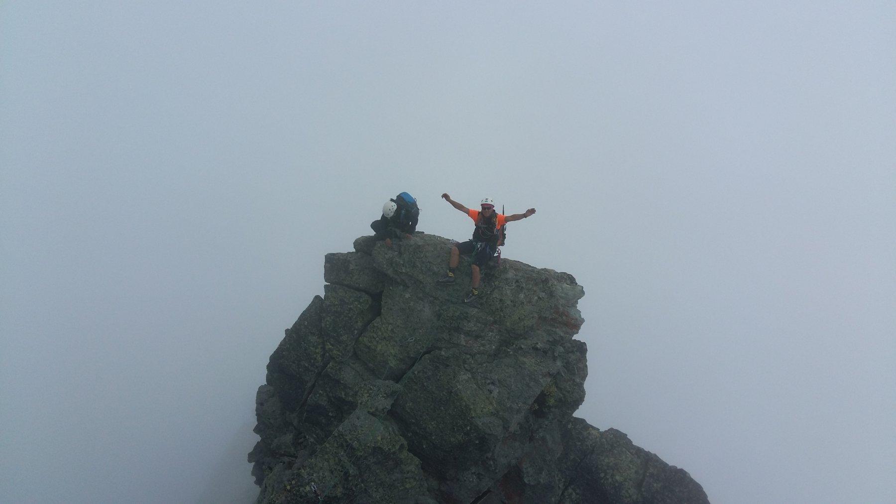 Aldo appollaiato nella nebbia