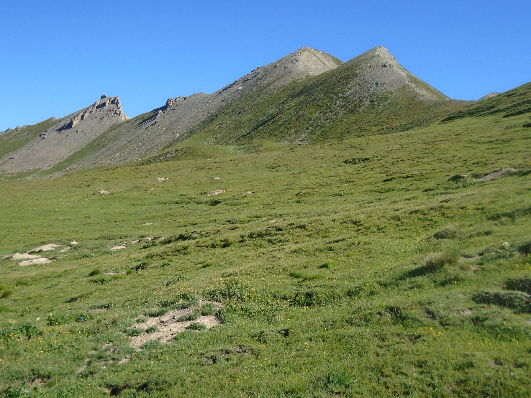 A dx Colle delle Munie e Monte Soubeyran