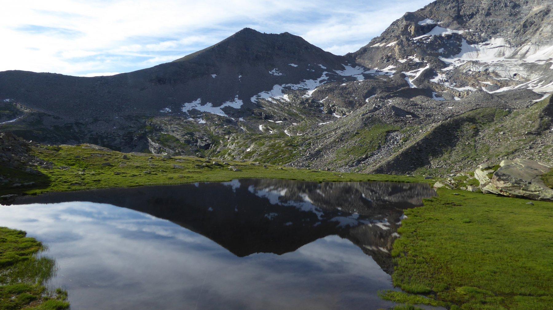 Lago di Nel superiore, con Bocchetta e Cima delle Fasce