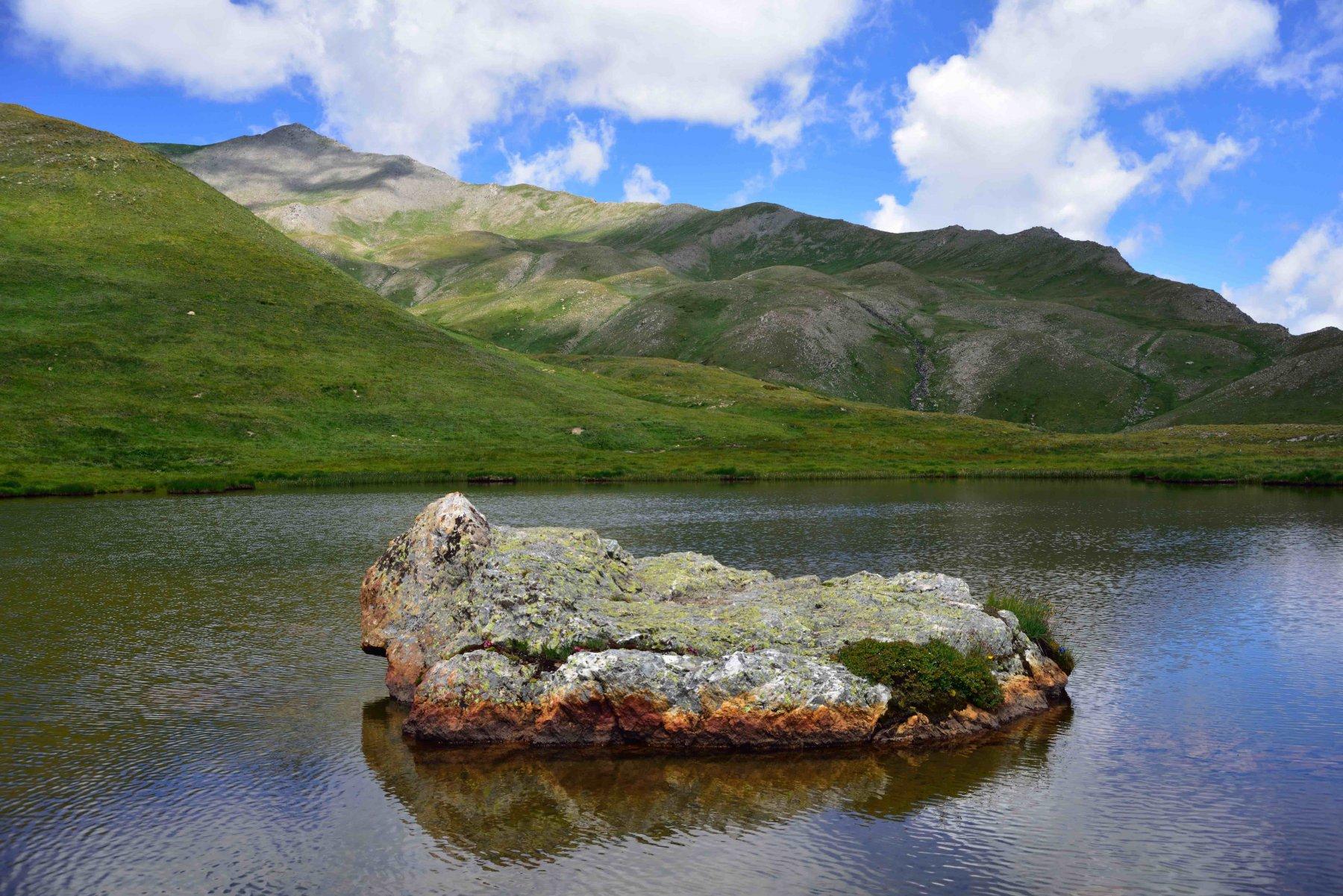 Il Lago dell'Autaret e la cresta di salita