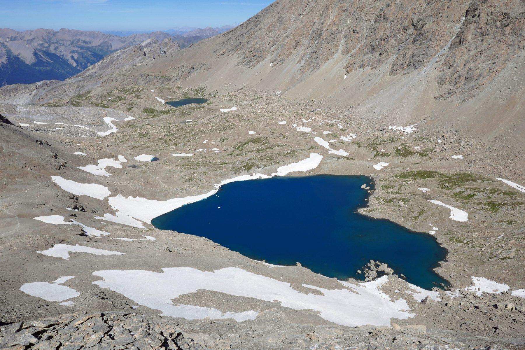 Il lago dei Nove Colori