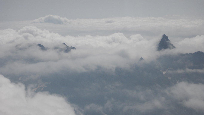 Uja di Mondrone sbuca dal mare di nubi