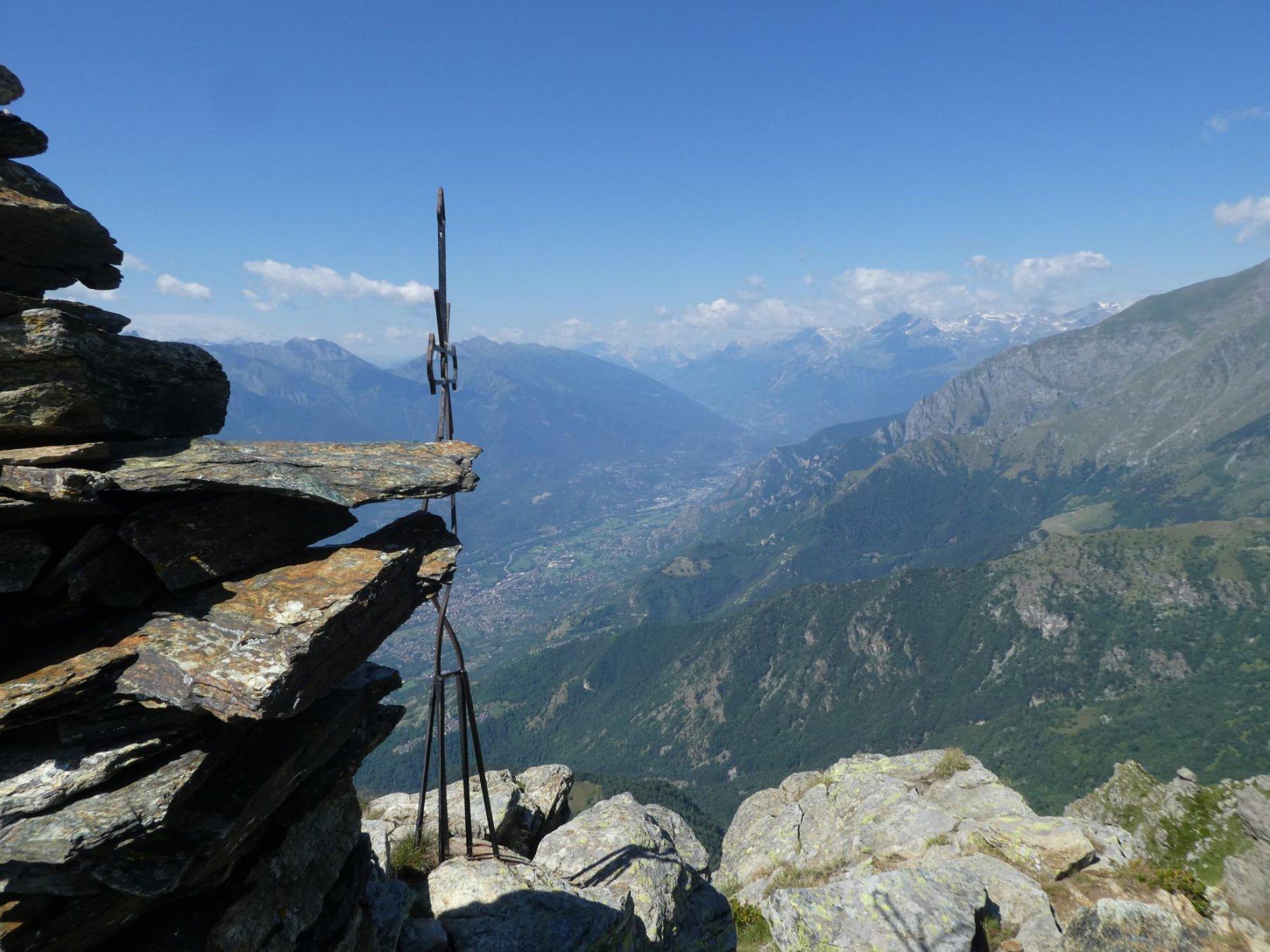 croce di vetta, panorama sulla Val Susa