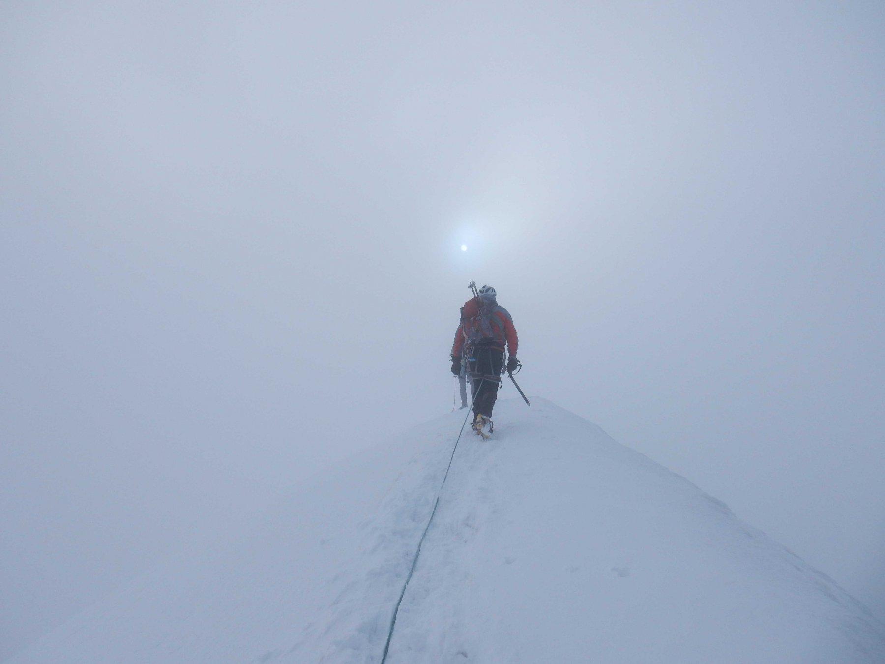 Tratto finale della cresta  nevosa al Polluce.