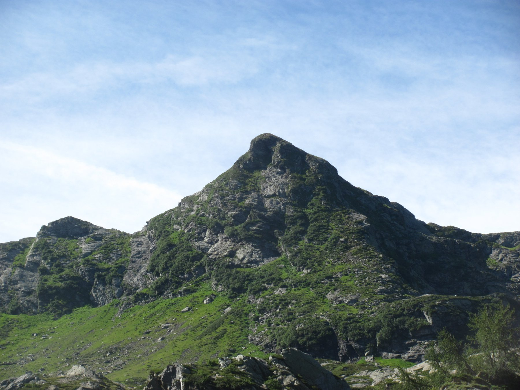 La Cima della Laurasca, salendo all'Alpe Scaredi