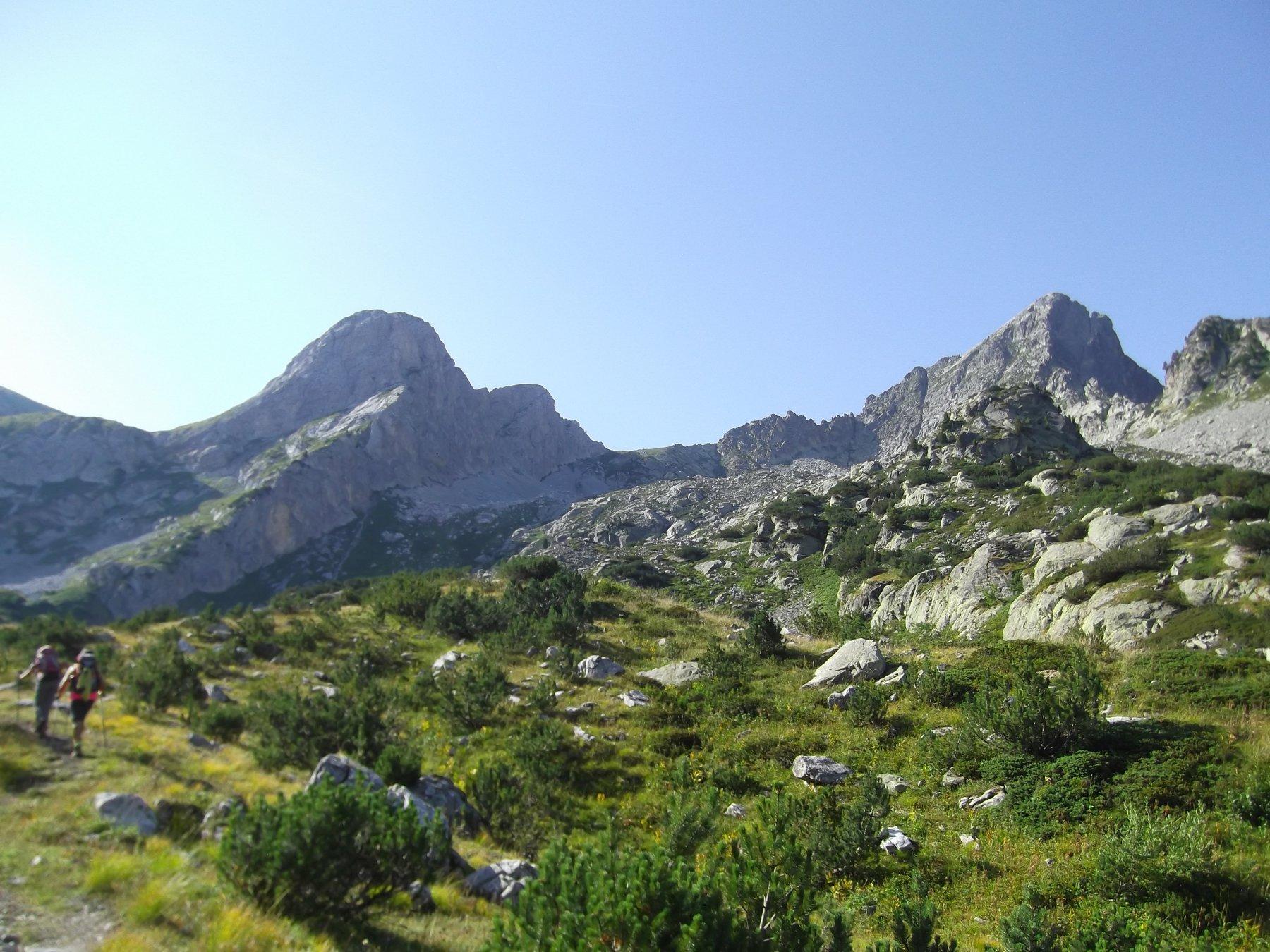 Monti Chiamossero e Frisson dal Vallone degli Alberghi.