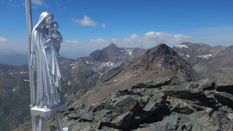 Madonnina di vetta e Rocciamelone sullo sfondo