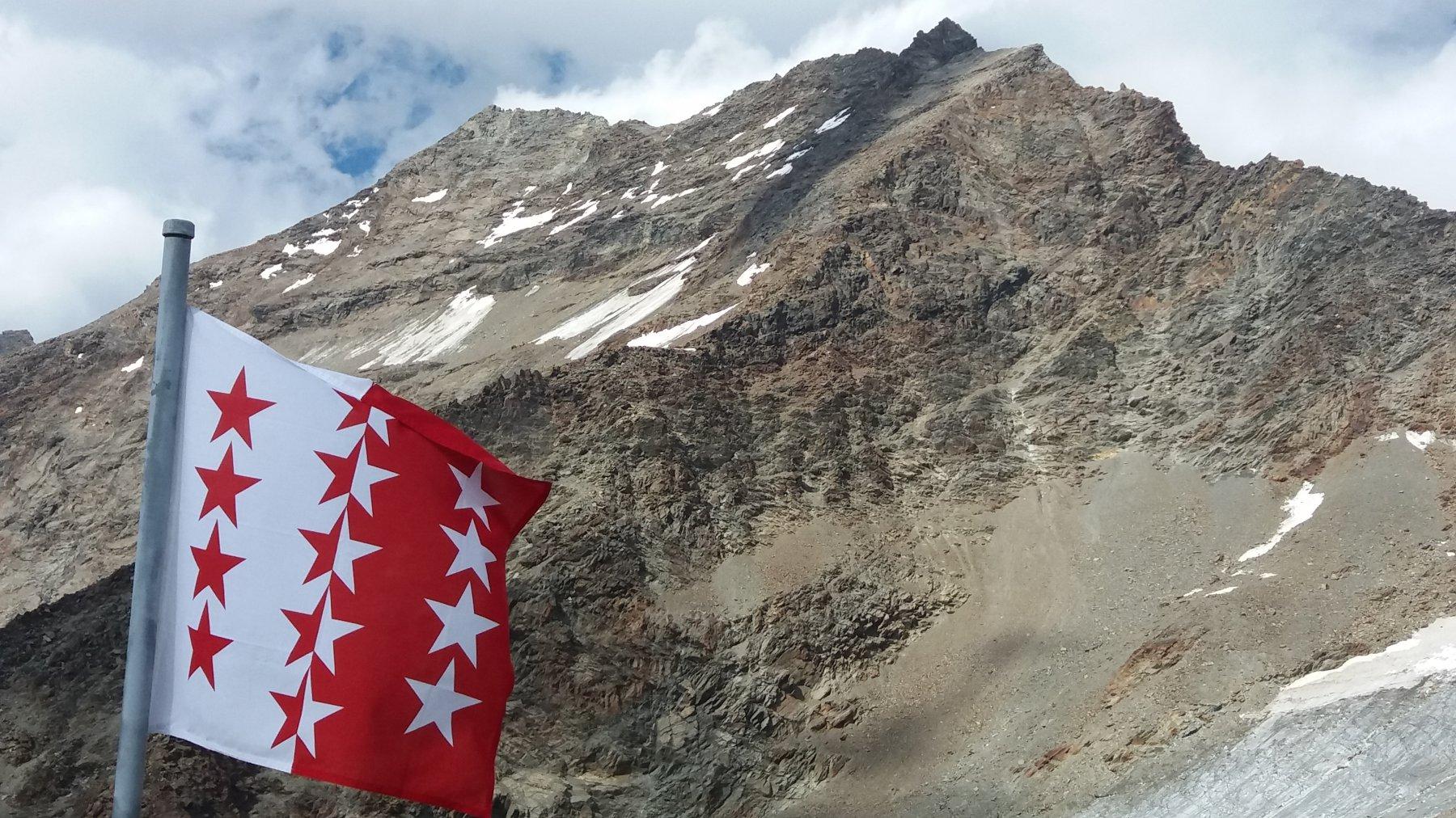 Condizioni della montagna (cresta di salita a sx)