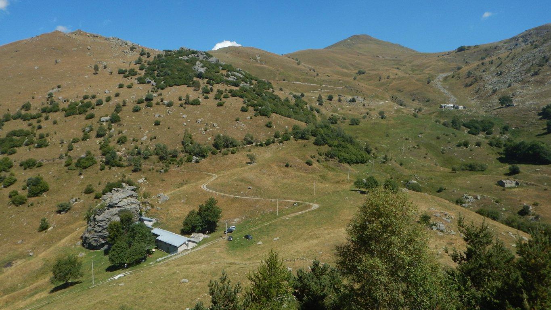 Alpe Donà in primo piano e Alpe Gighè in lontananza