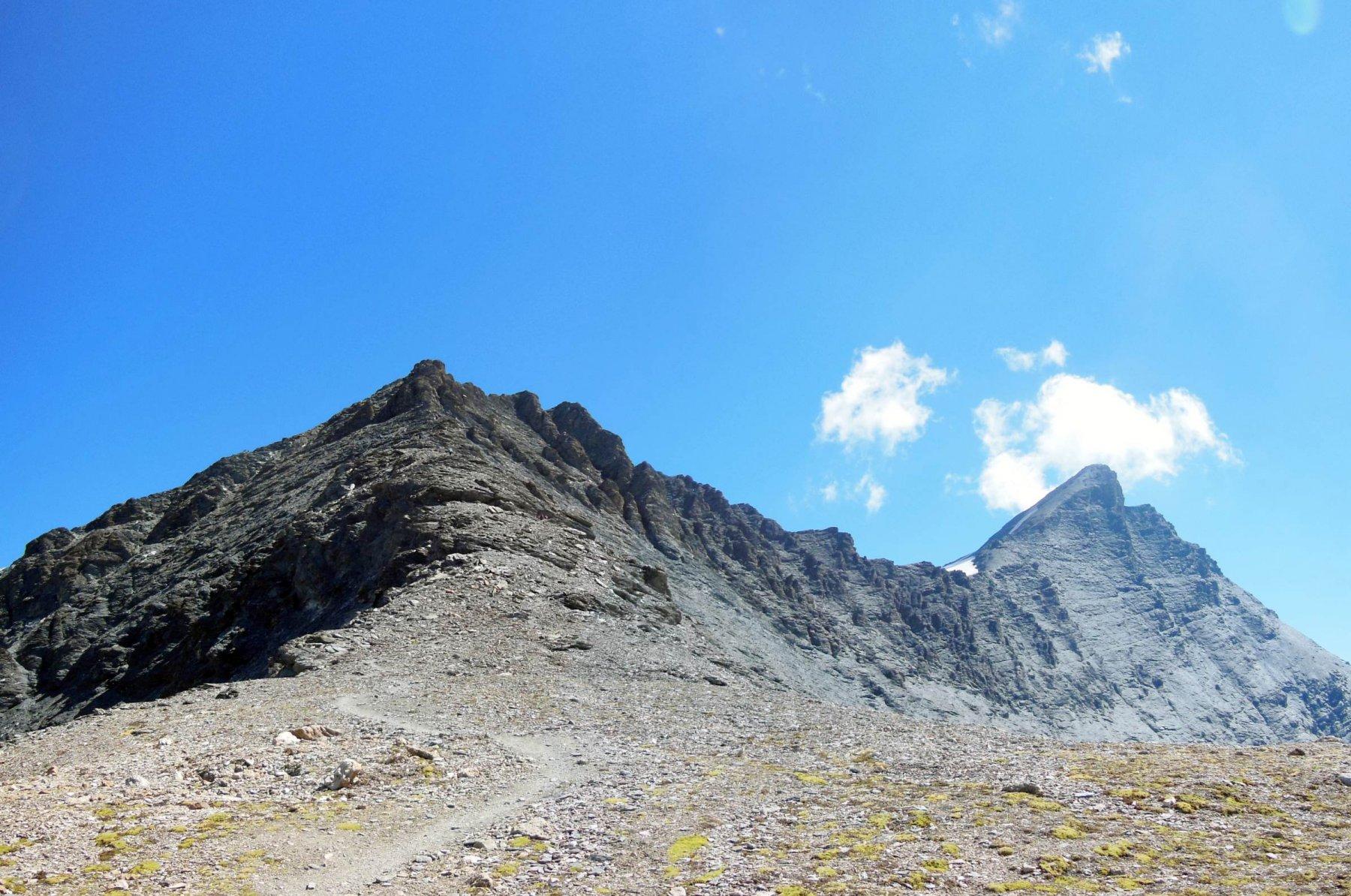 dalla cresta verso la cima