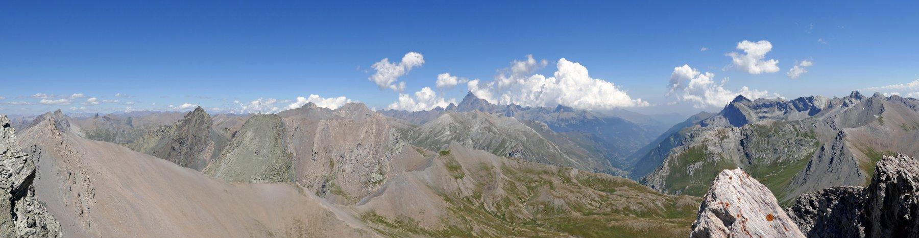 Panoramica verso Pelvo di Ciabrera, Mongioia, Salza, Viso, Pelvo e Marchisa