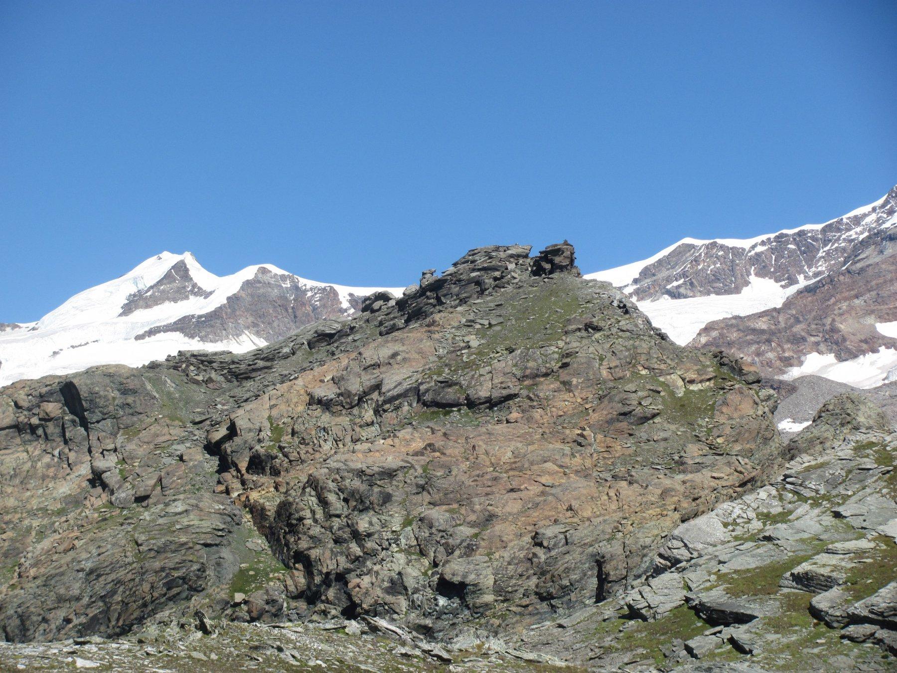 la rocciosa cima vista dal passo Zube