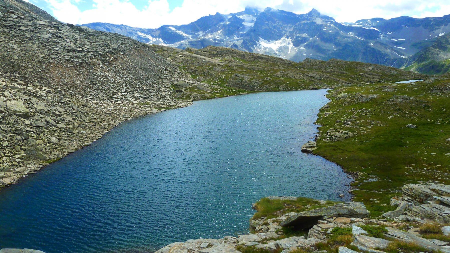uno degli ultimi laghi in basso