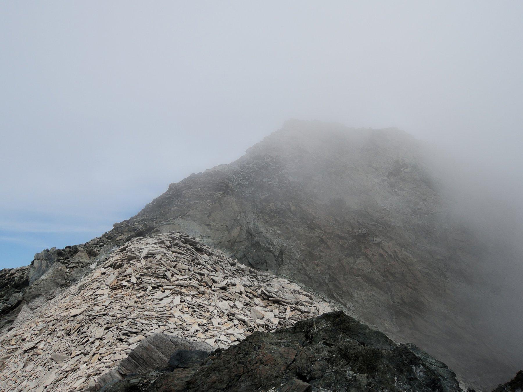 Colle e Punta Marani nella nebbia