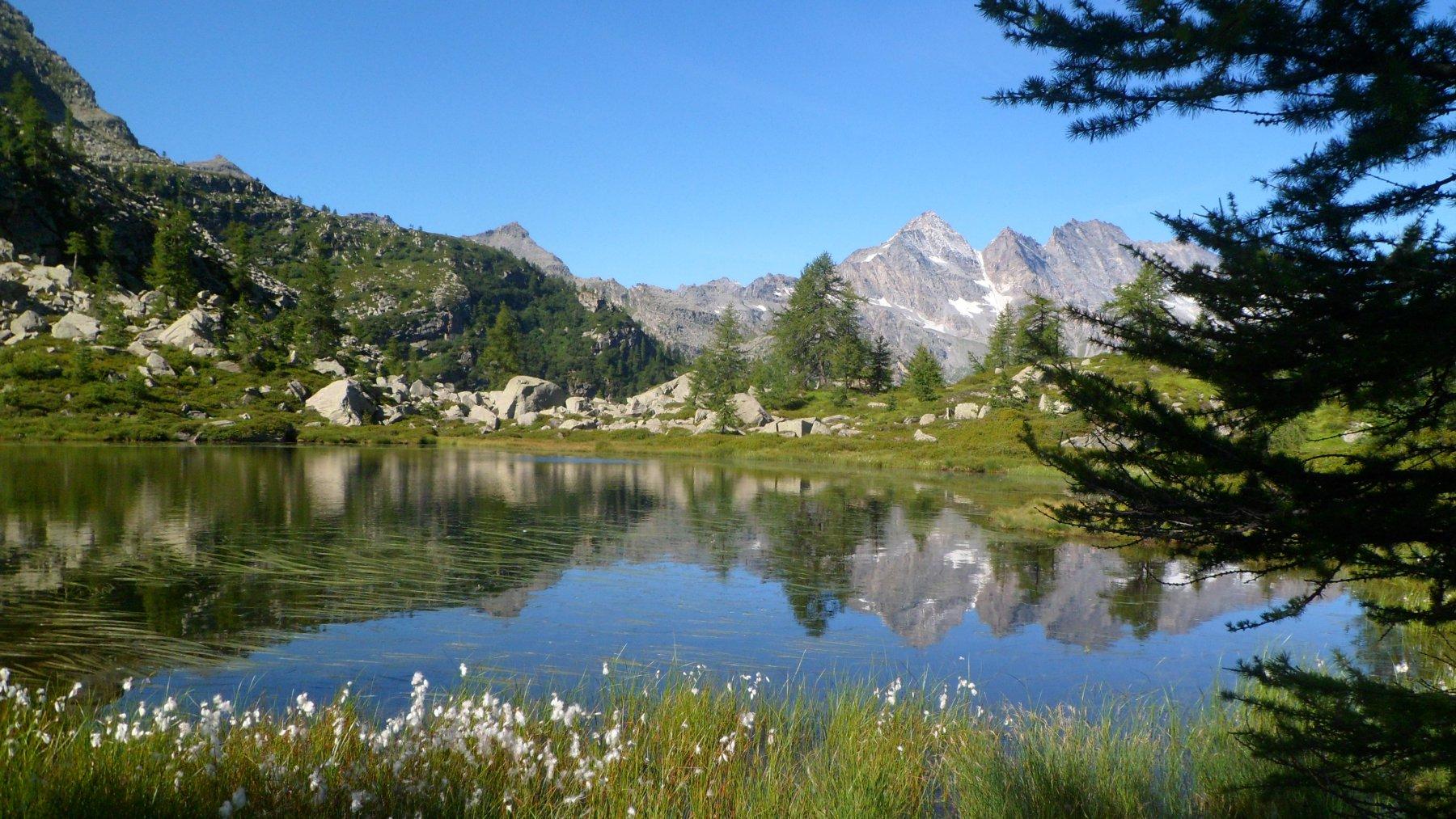 Il primo laghetto e le Levanne