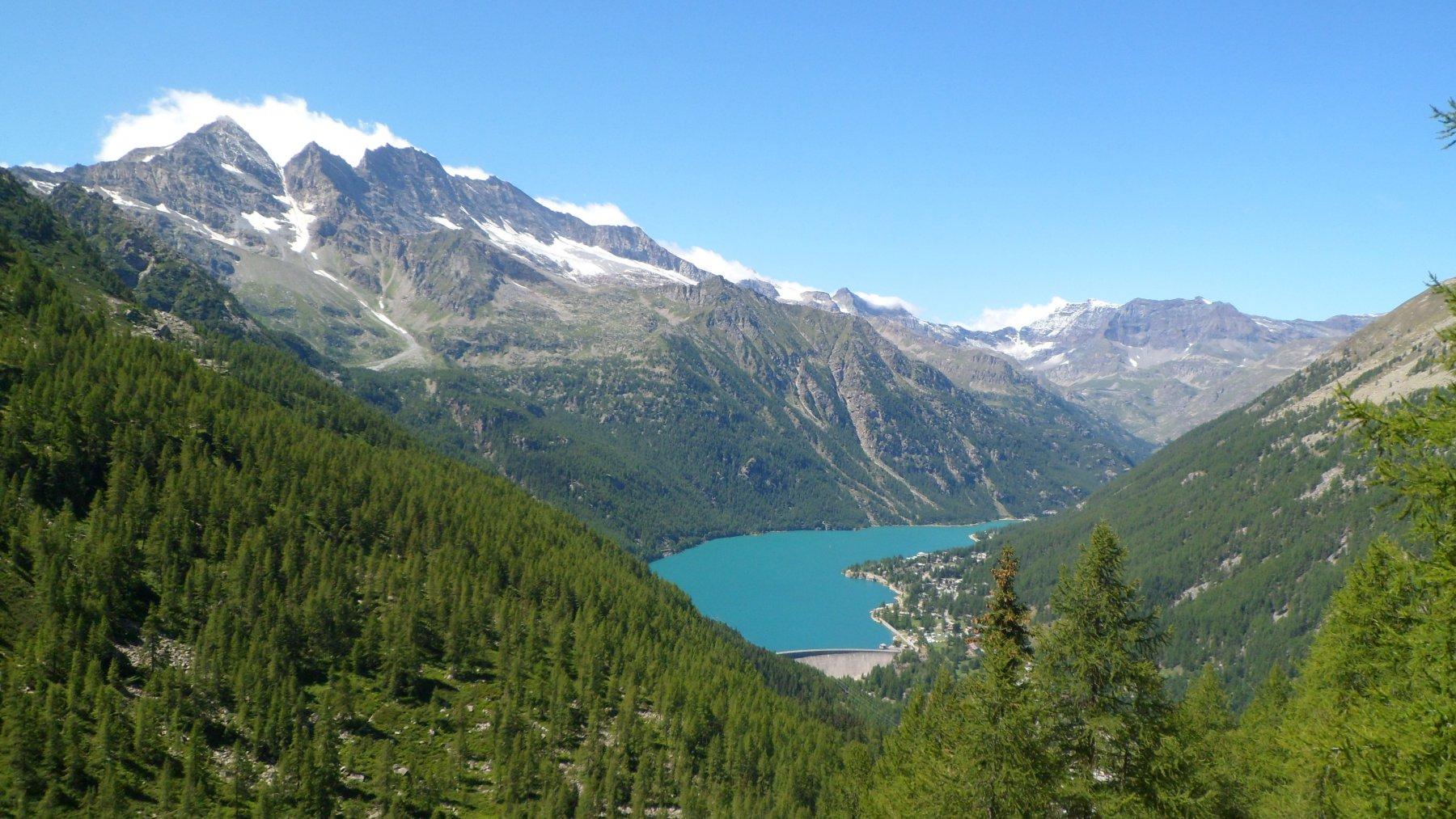 Il lago di Ceresole da quota 2000 m