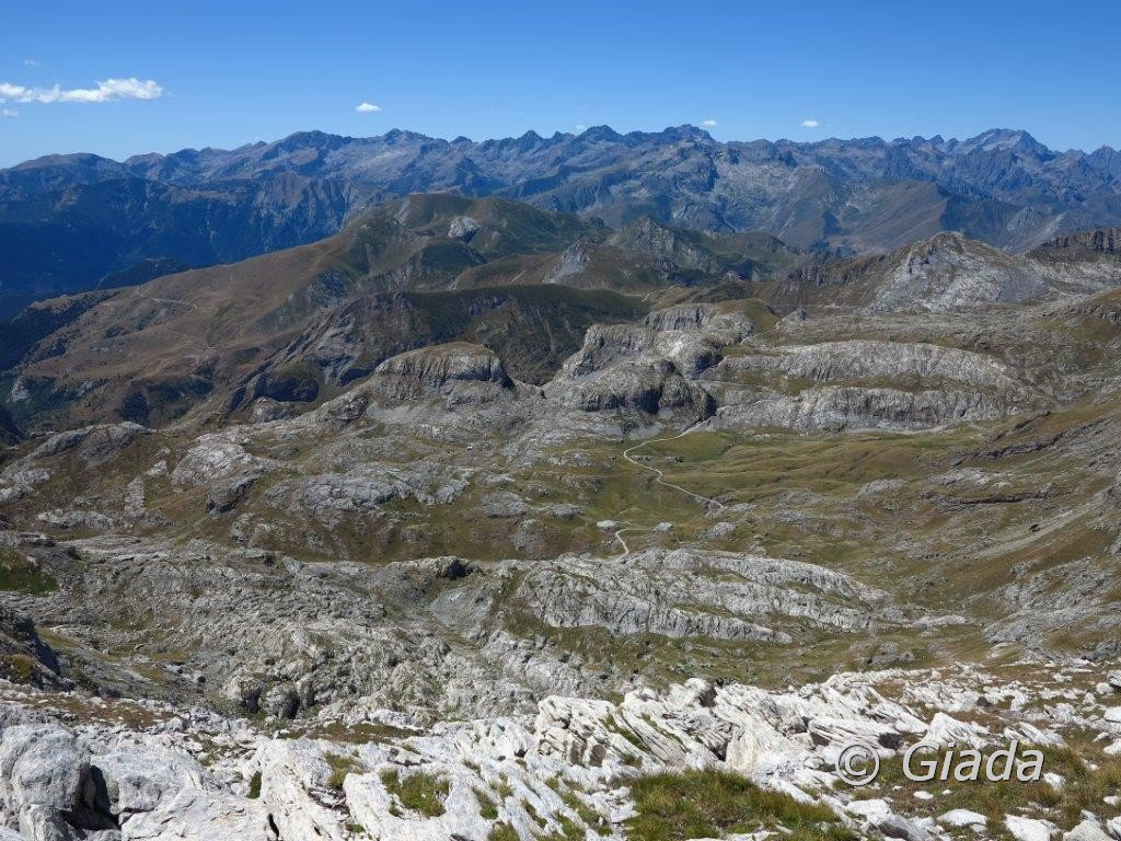 Dalla cima vista verso le Carsene e le Marittime