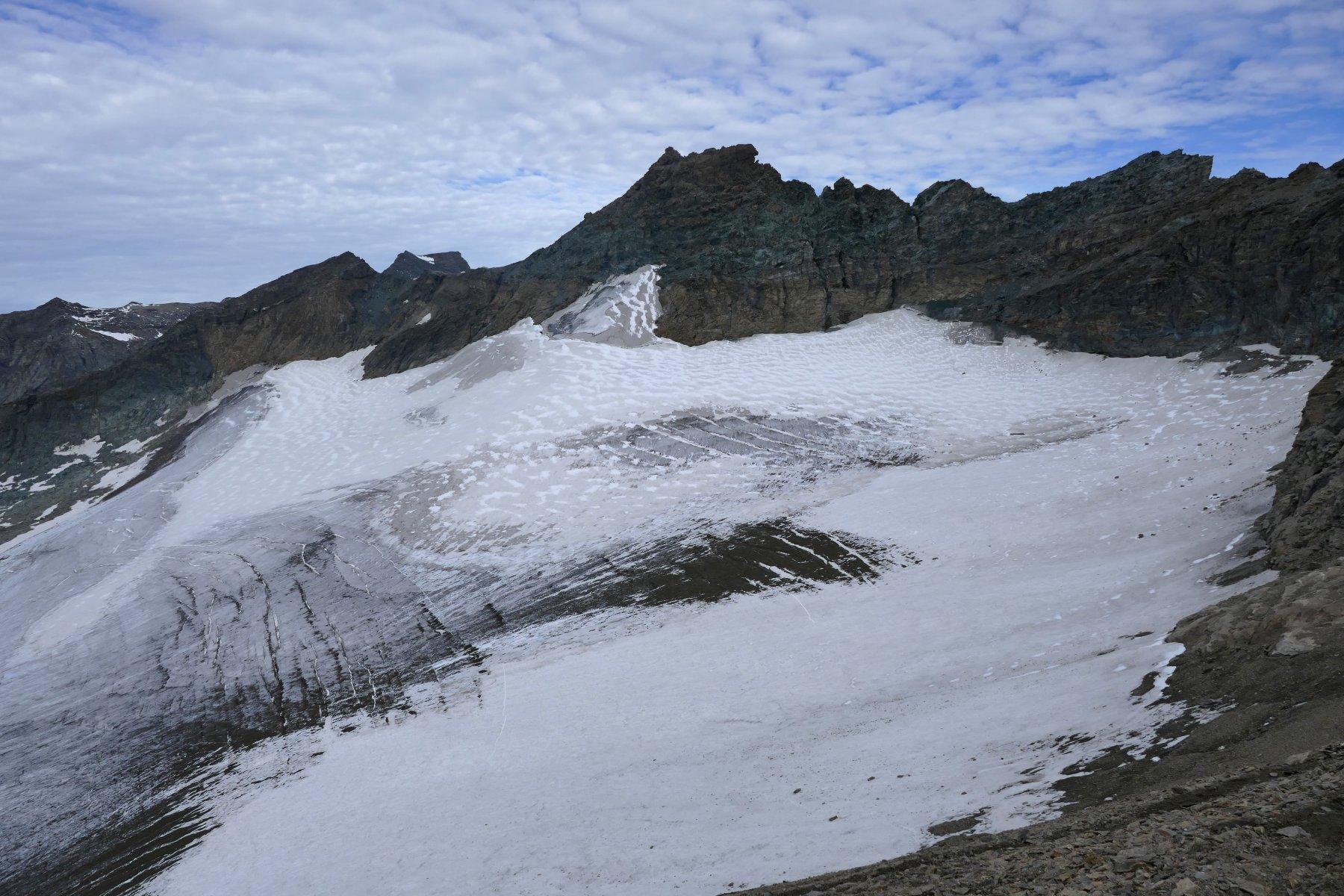 La Piccola Ciamarella e il ghiacciaio visti salendo il tratto terminale