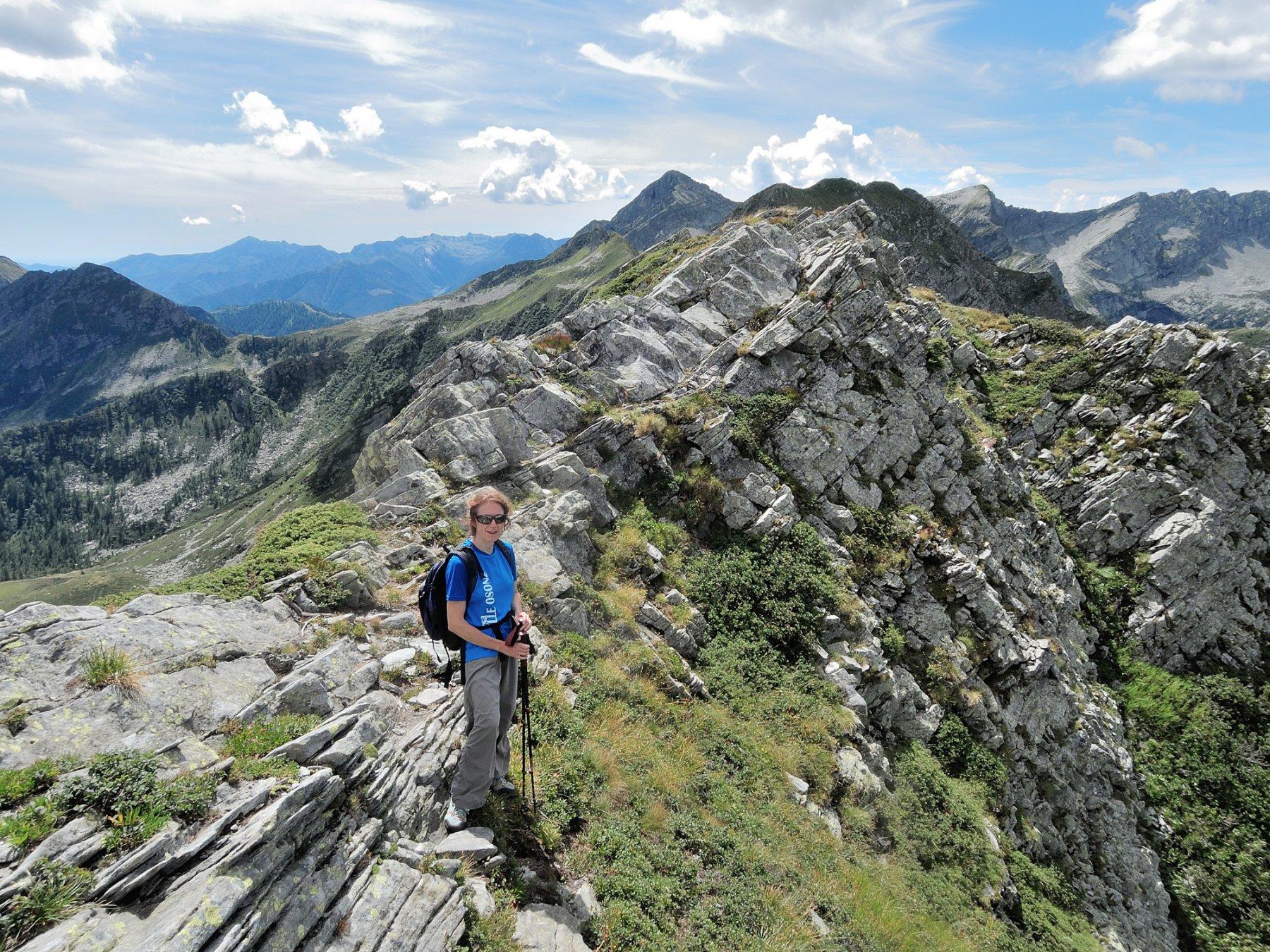 Tratto roccioso della cresta verso la Pezza Comune