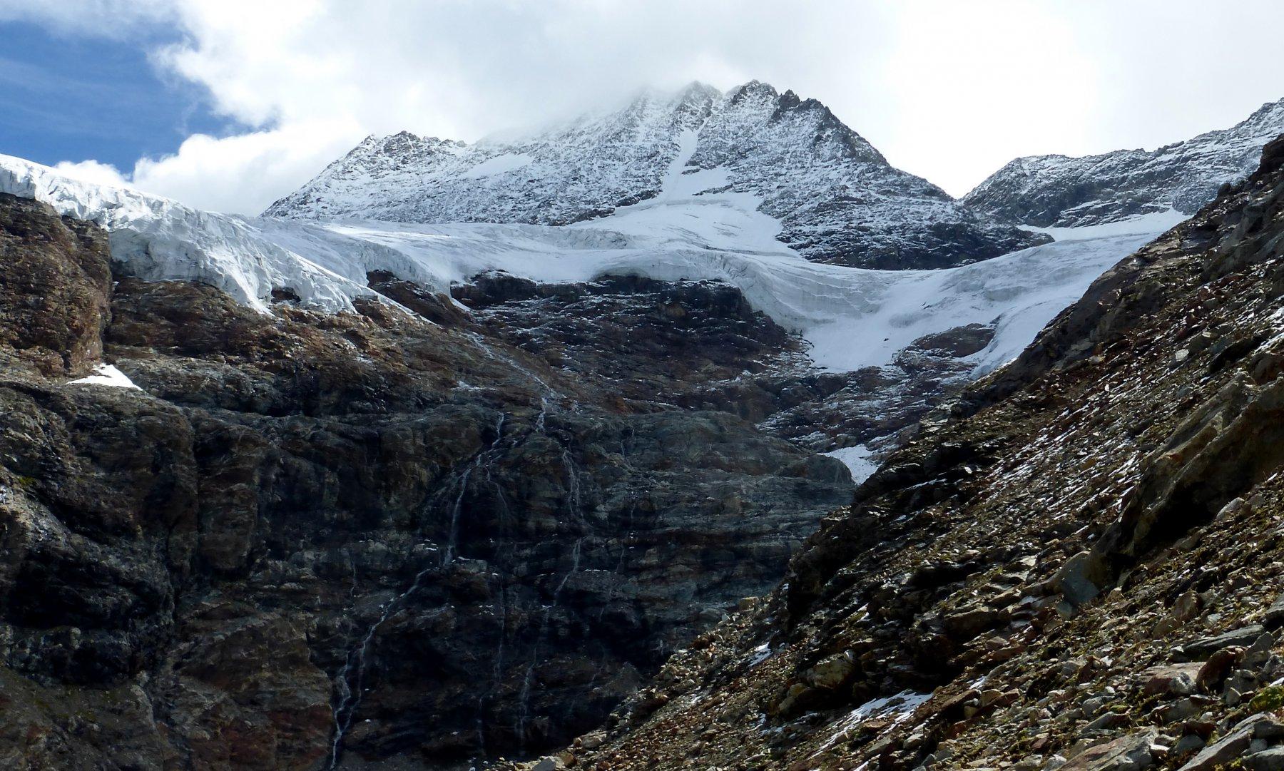 in fondo al traverso il ghiacciaio