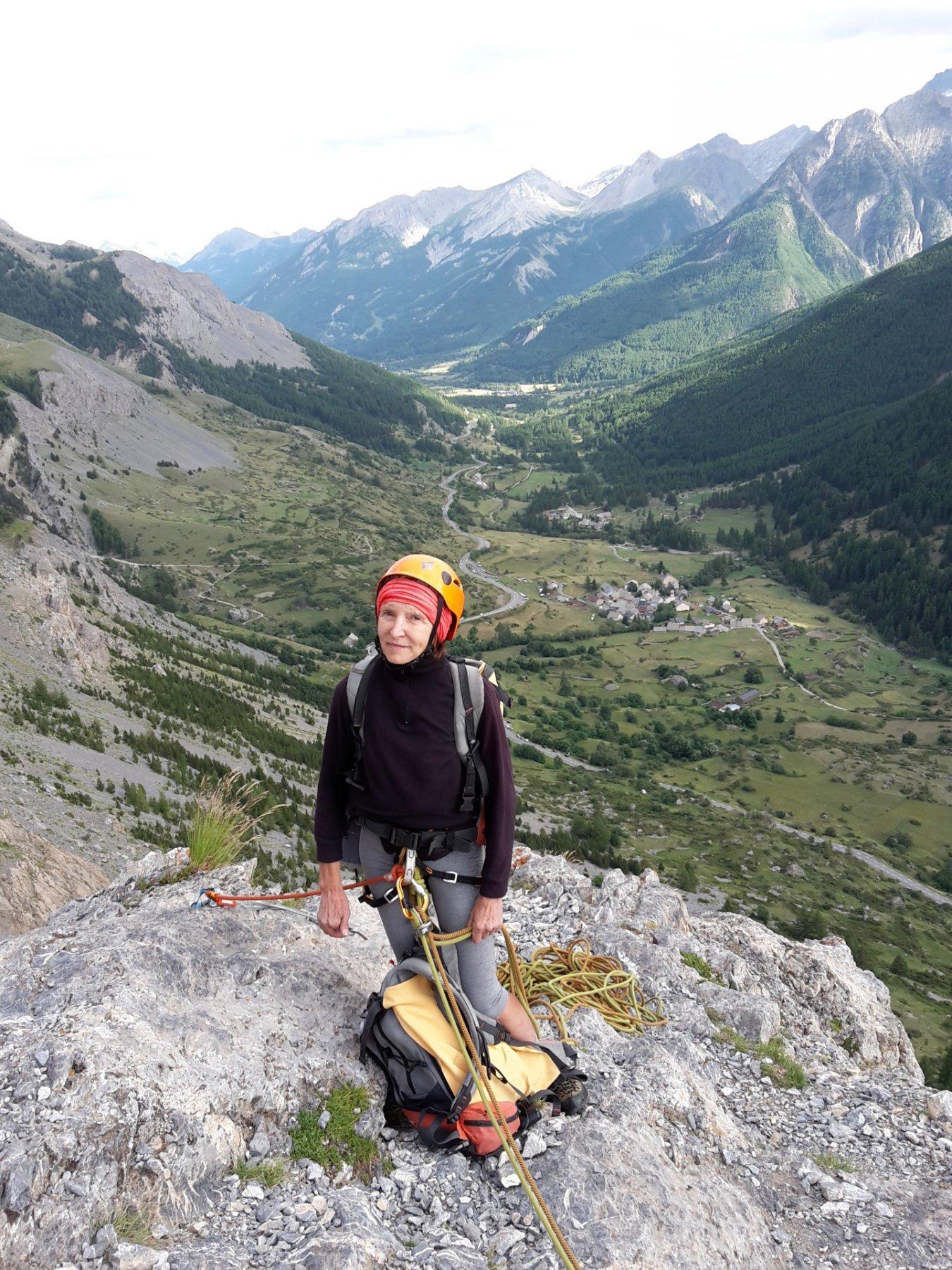 Germana in vetta, sullo sfondo la valle della Guisane