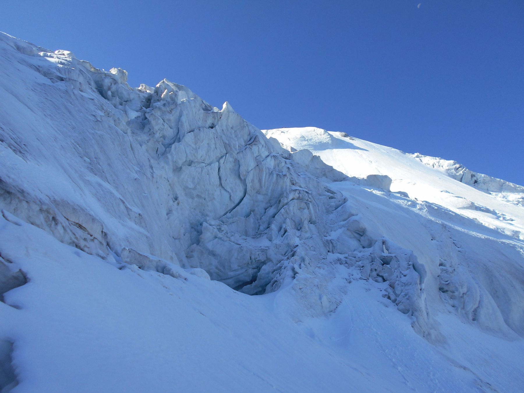 seracchi nei pressi dell'attacco del ghiacciaio