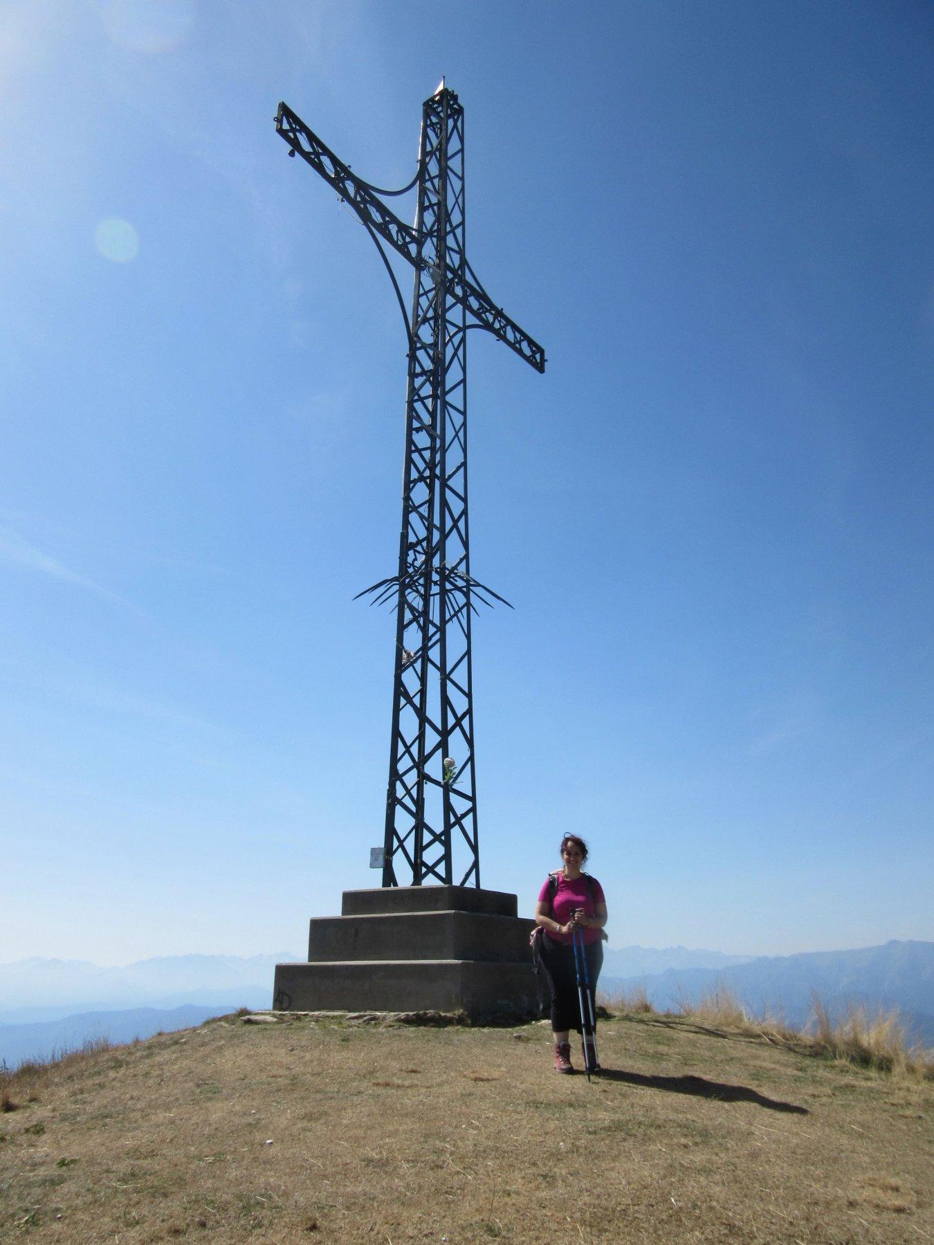 Sabrina con la grande croce