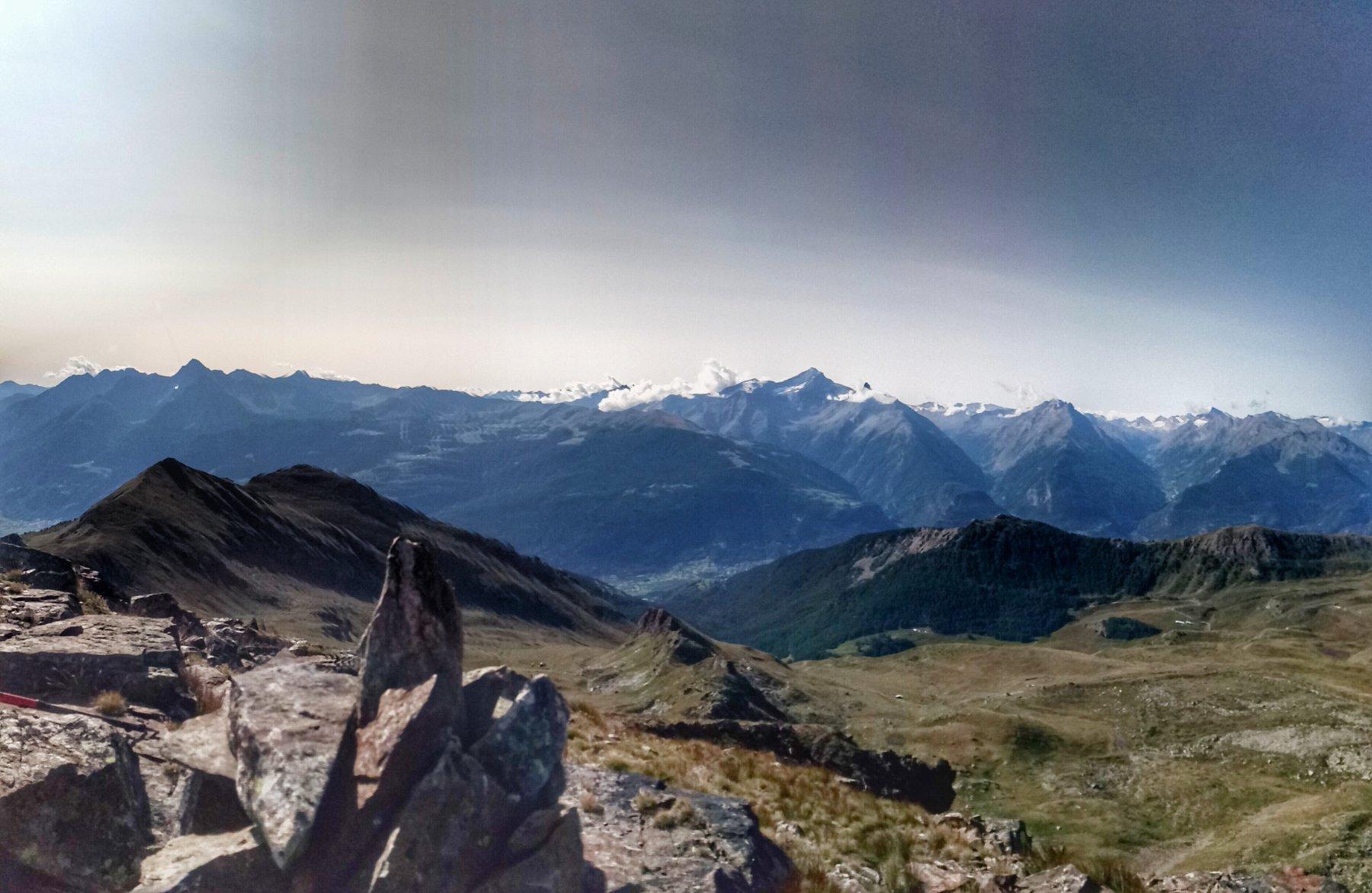 Mont de la tza con lo sfondo punta Chaligne e punta Metz