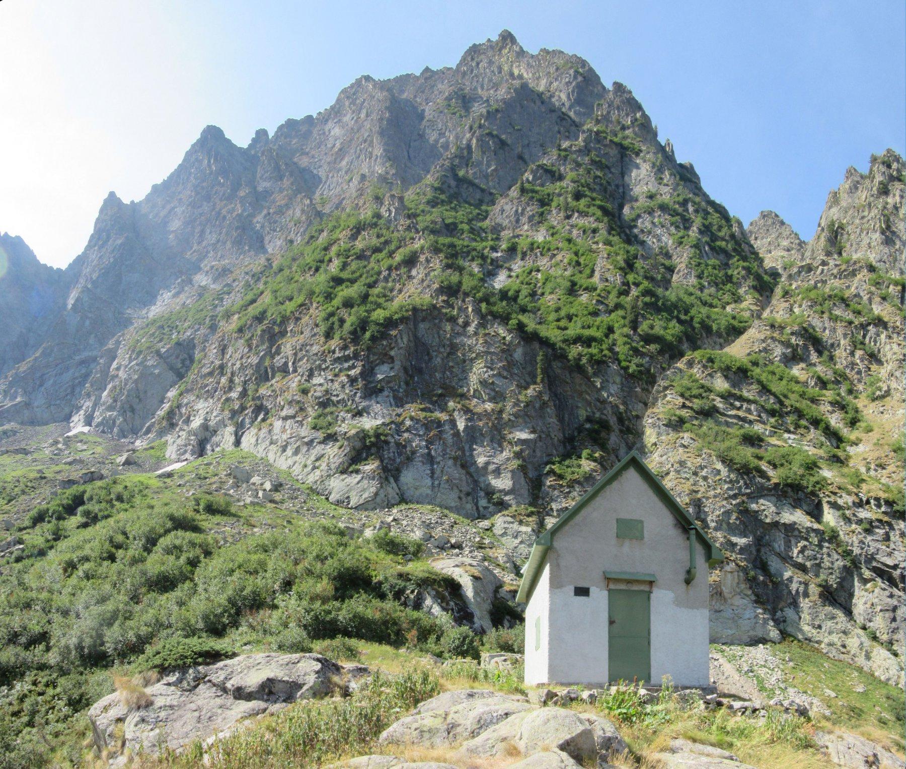Bivacco Gandolfo e Monte Dragonet