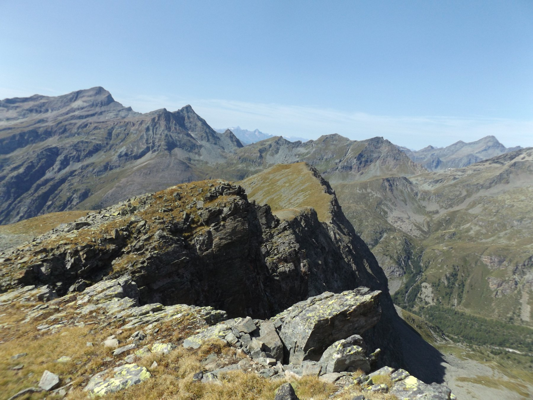Cresta di punta Telcio vista dalla quota 2915 (Telcio Est)