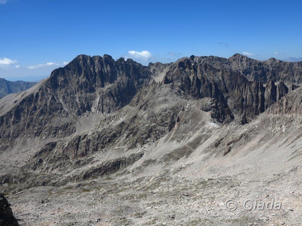 Vista sul Cayre di Prefuns e sulla Cresta Savoia