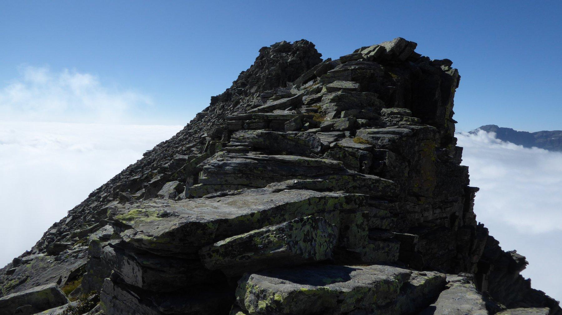 Sopra il primo salto, la cresta del Becco dell'Alpetto
