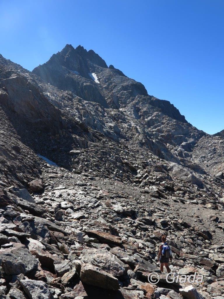 Nella pietraia verso il Passo Brocan e il Brocan