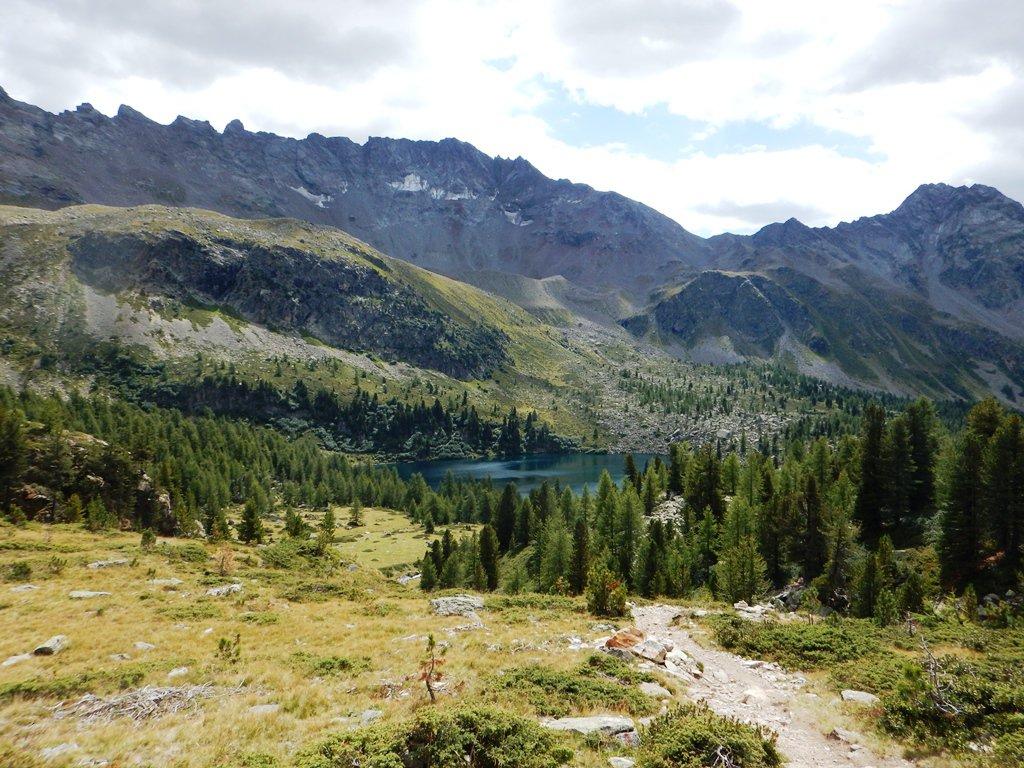 Nei pressi del lago dal sentiero Campasciol