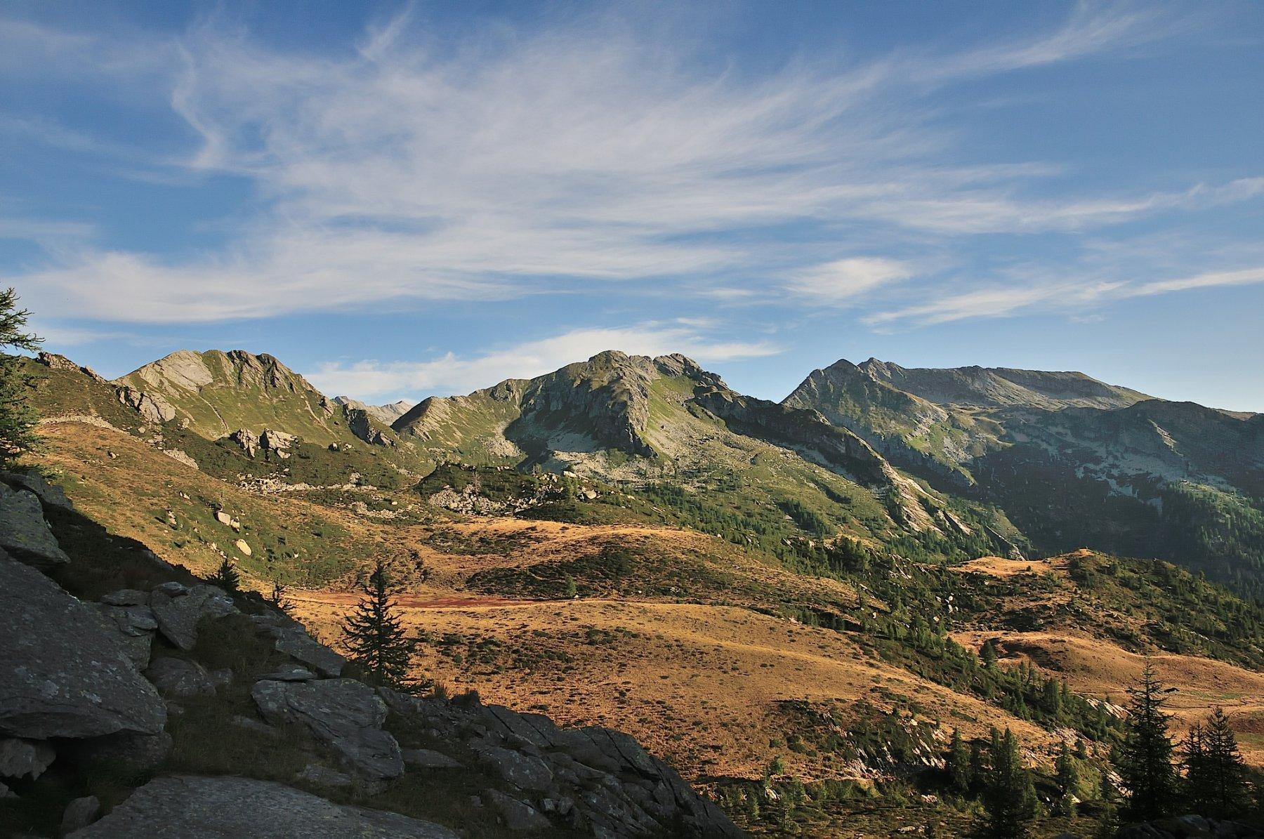 Il percorso, lato Onsernone, visto dal Passo Fontanalba al mattino