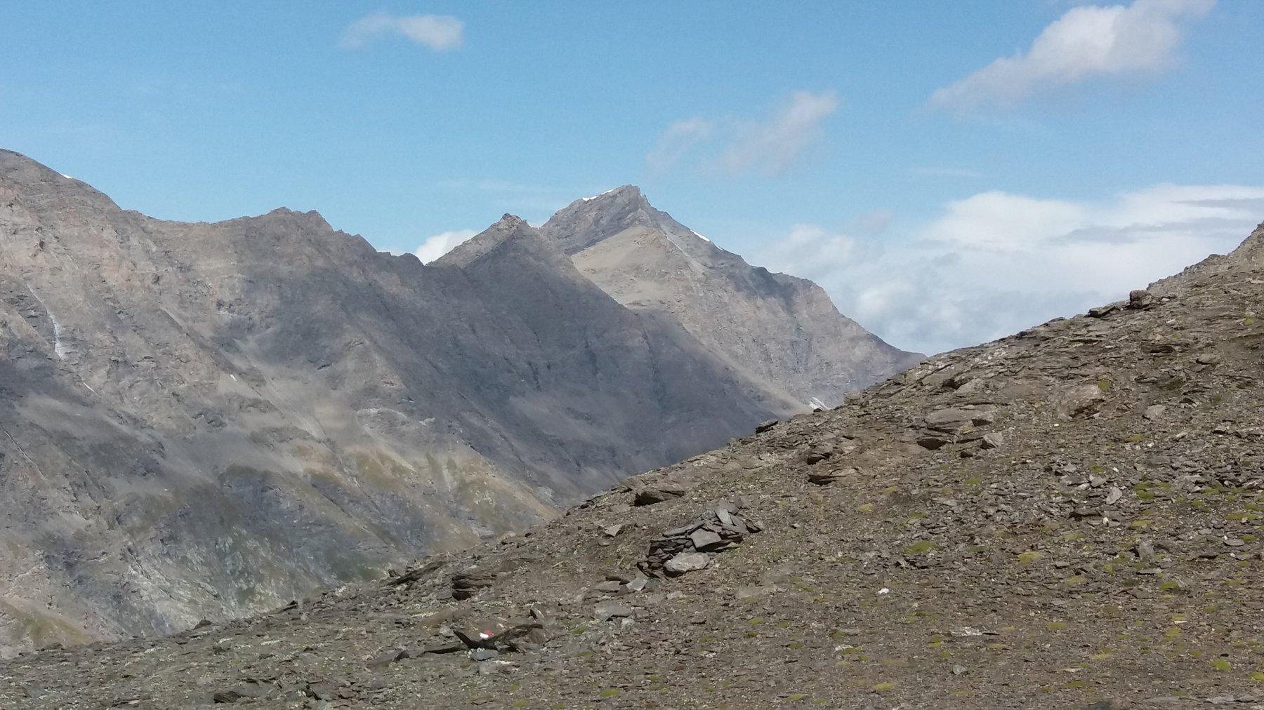 Dalla cima, vallone Lombarde e punta Charbonnel