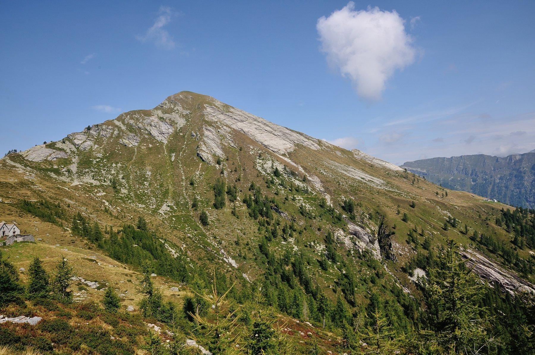 Pizzo Ruggia, sentiero per Alpe Tenda e Cresta Est