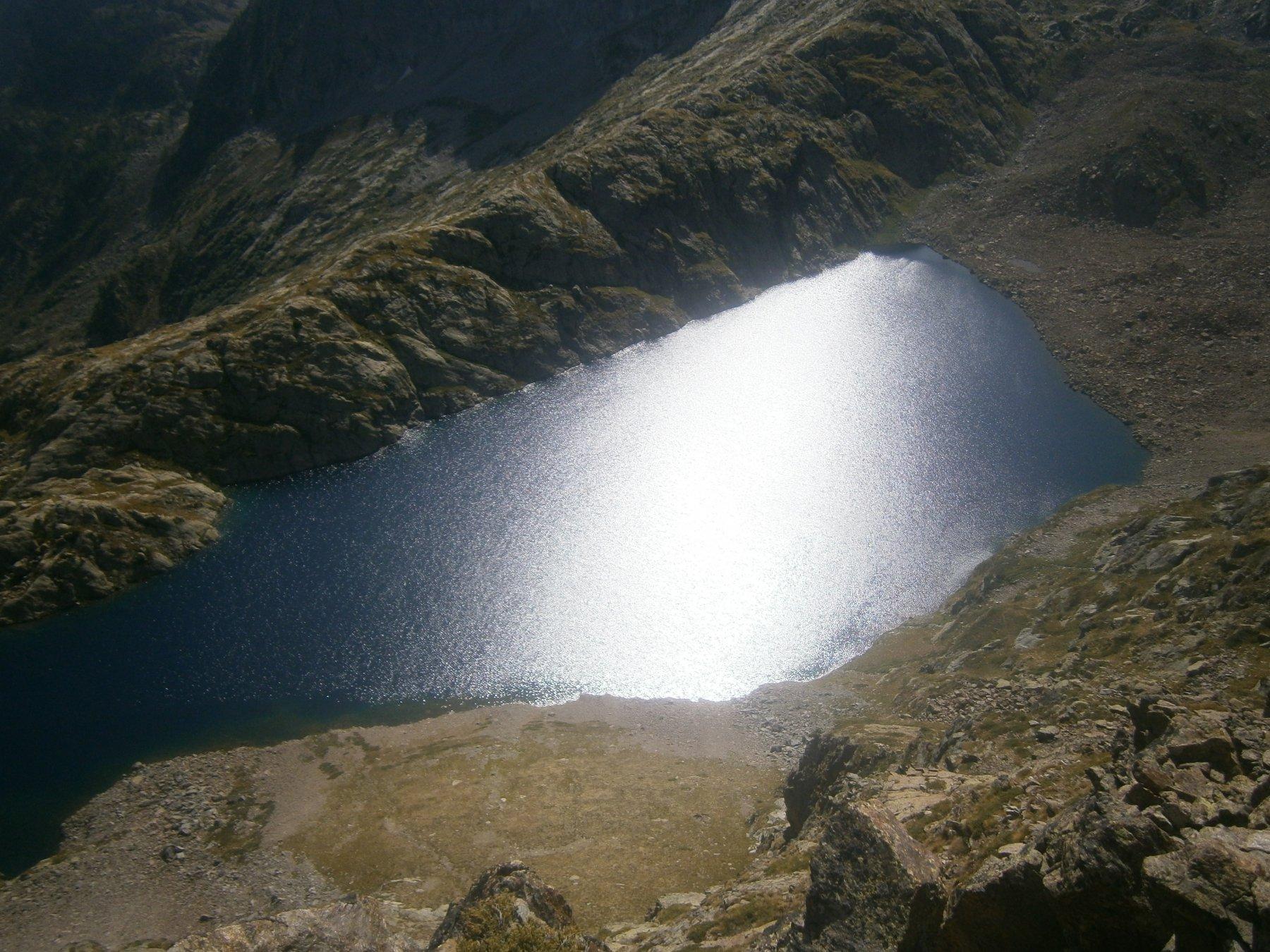 A picco sul lago Sella superiore